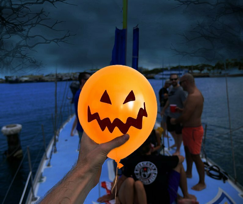 5 reasons to host a Halloween Party on Boat and a Bonus!